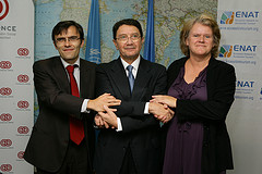 Photo of Presidents of Fundación ONCE, UNWTO and ENAT at the signing