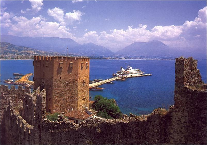 Alanya castle and bay image by LetsGoTurkey