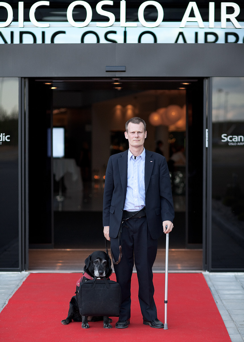 Photo of Magnus Berglund and his dog, Ada at Scandic Oslo Airport