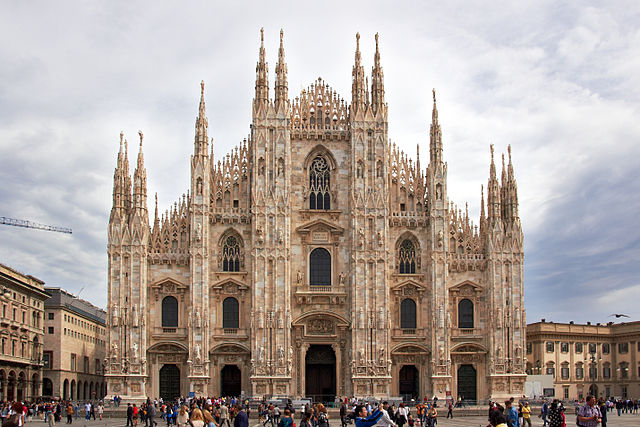 Milan Cathedral and tourists